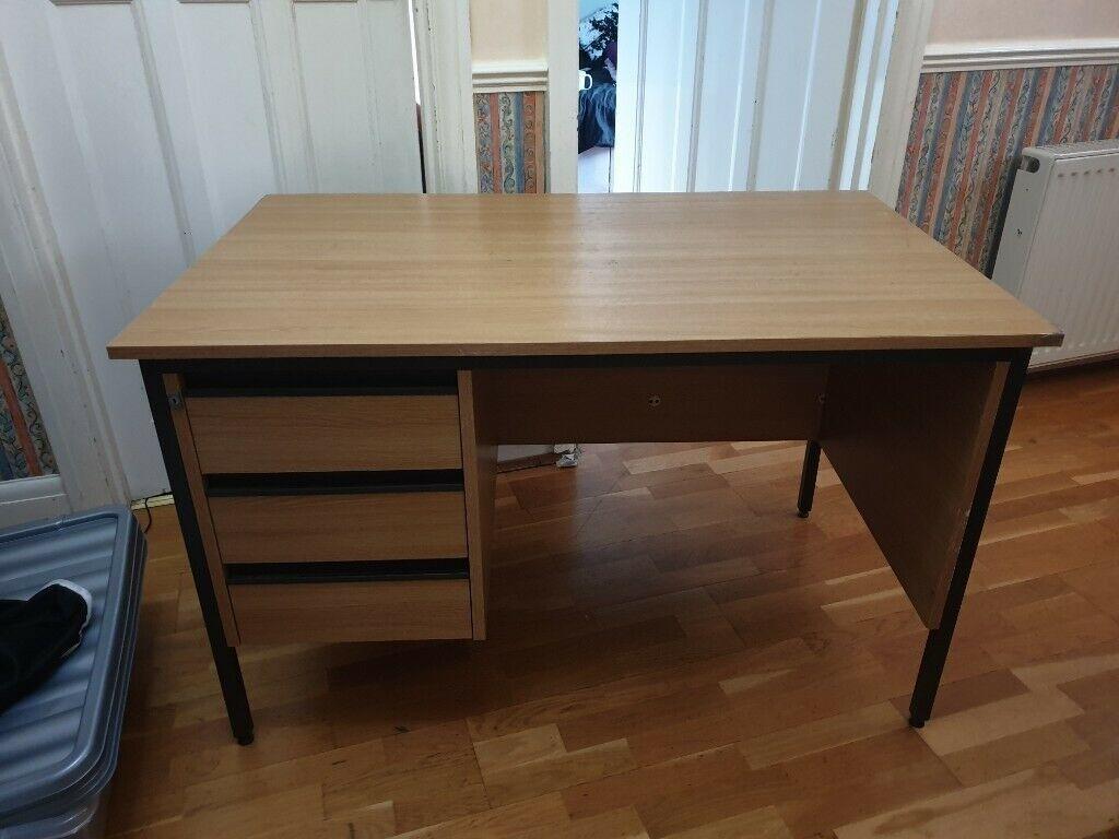 Desk - W 120cm, D 75cm, H 73cm, 3 draws with lock and 2 keys