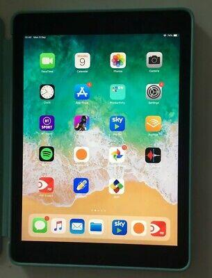 Apple iPad Pro 1st Gen. 128GB, Wi-Fi, 9.7in - Space Grey +