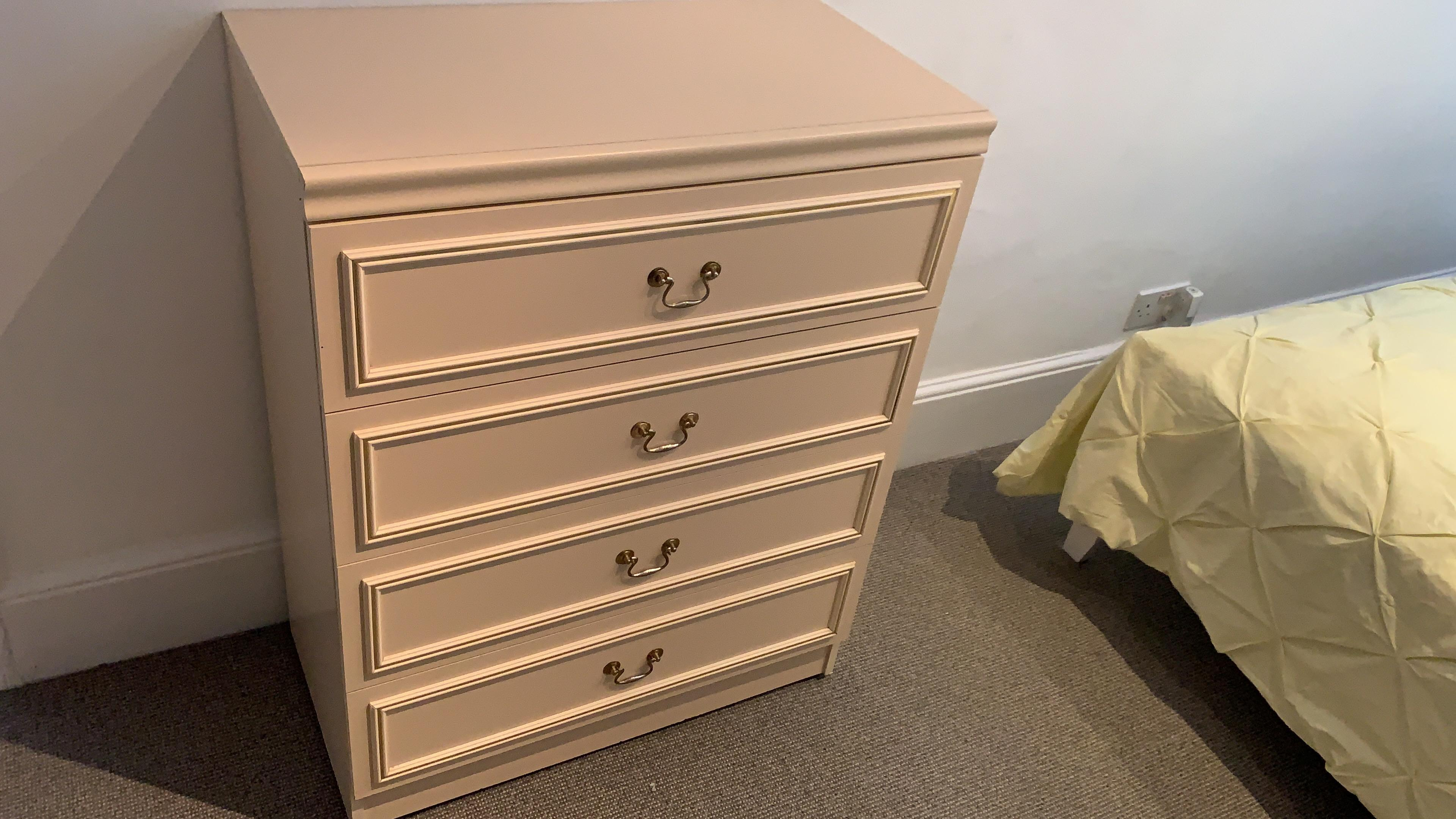 4 Drawer Beigy white Chest of Draws On Wheels Very Good