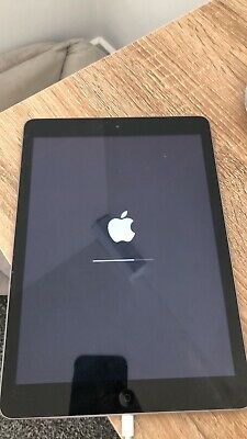 Apple iPad Air 5th Gen 32GB - Space Grey. FAULTY