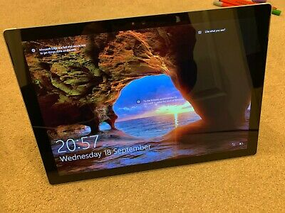 Microsoft Surface Pro 4 iU 2.4GHz 128GB, Wi-Fi, 12.3
