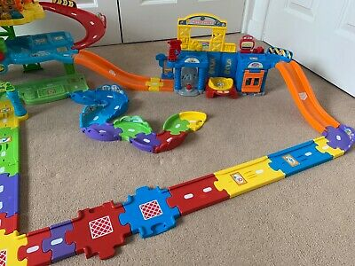 VTech Toot Toot Drivers Garage With Big Lift Feature!!! &