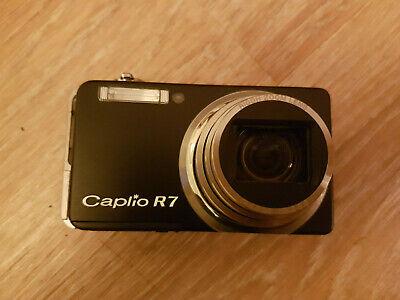 Ricoh Caplio R7 digital camera