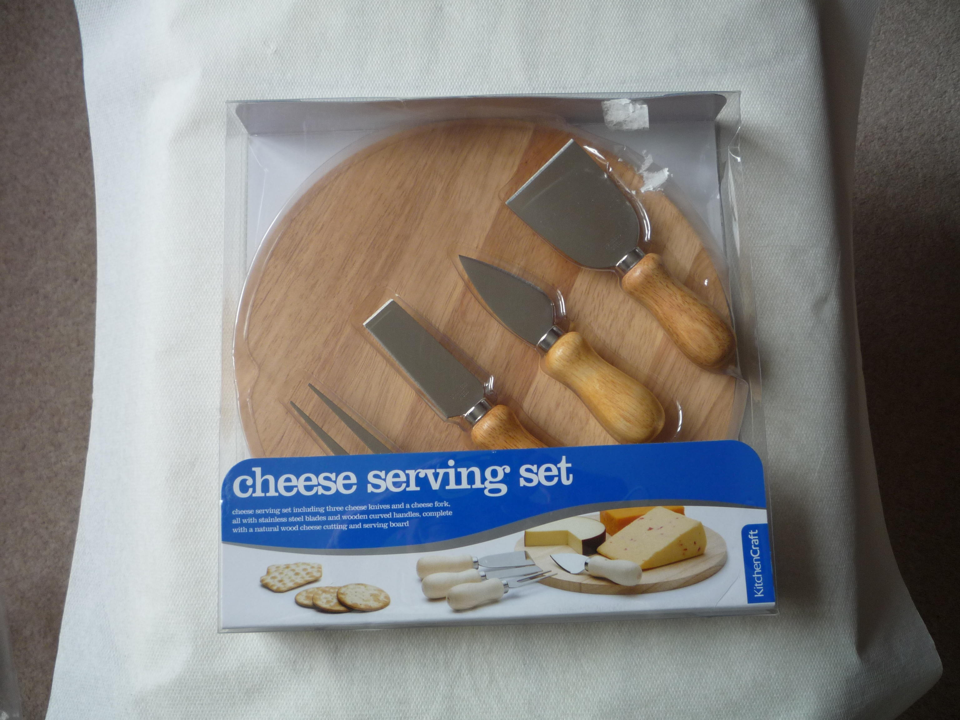 Cheese serving set. New.
