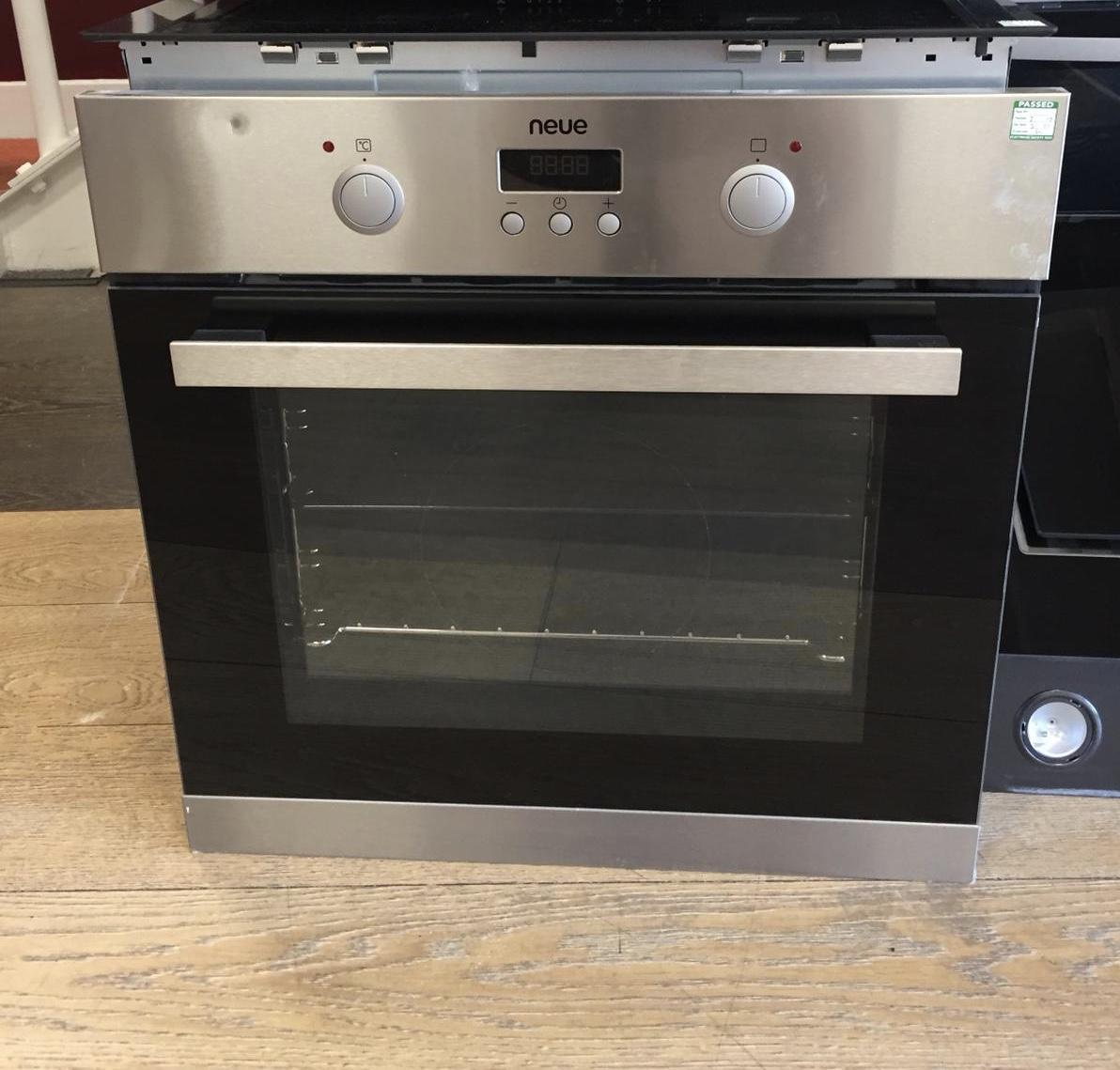 Neue single stainlss steel built in oven (ex display) 1 year