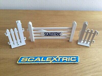 SCALEXTRIC VINTAGE 5 BAR GATE UNIT A226 - EXCELLENT