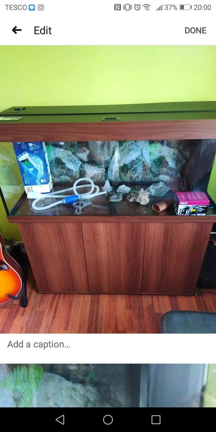 240 litre Jewel fish tank with cabinet