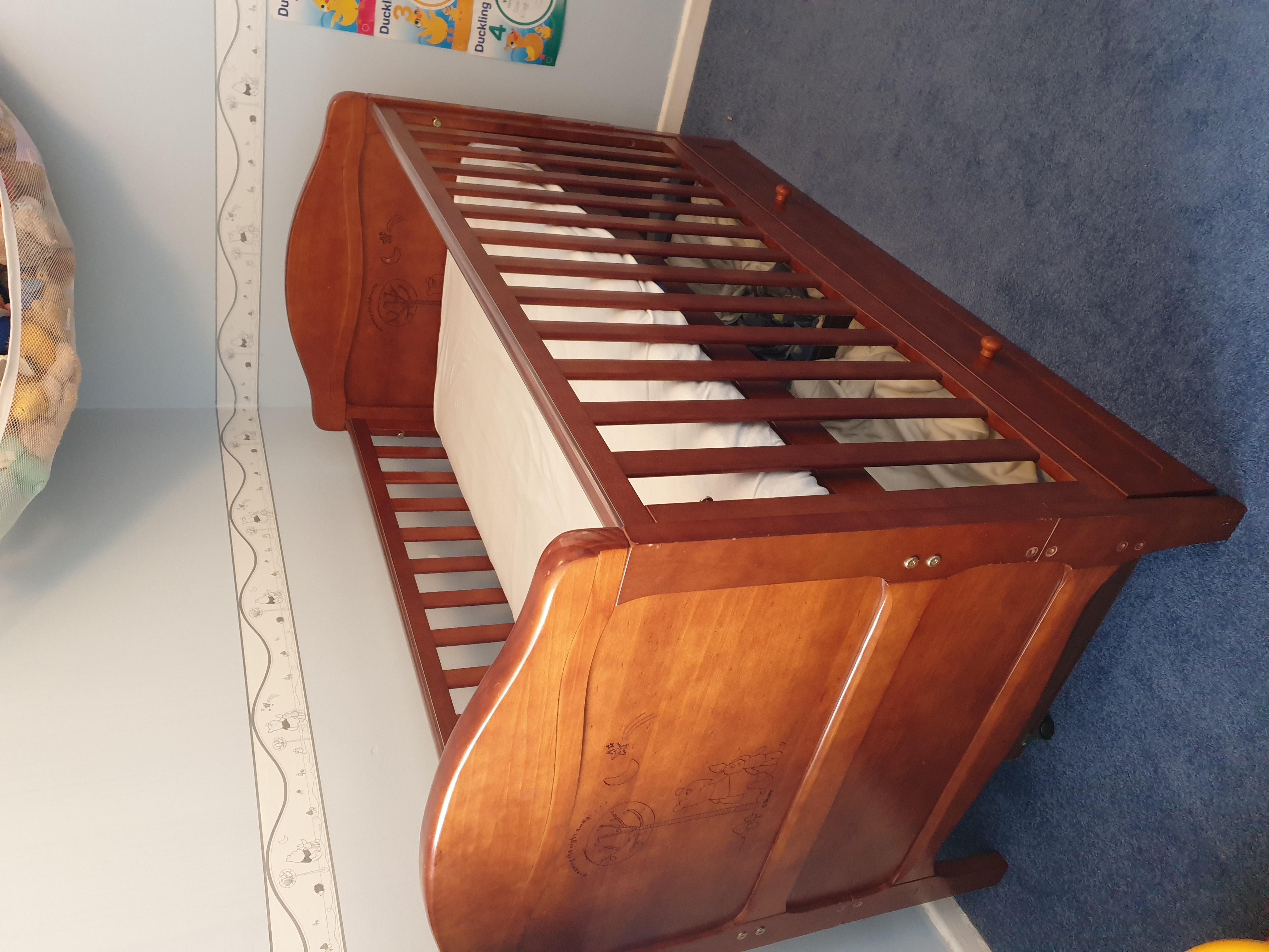 Winnie the Pooh cotbed and 3 drawer chest of