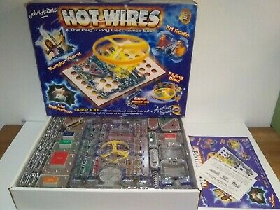 JOHN ADAMS HOT WIRES PLUG & PLAY ELECTRONICS SET SNAP