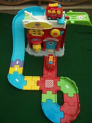 VTech Toot-toot Drivers Fire Station With 2 Small Fire