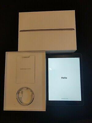 Apple iPad 6th Gen 32GB Wi-Fi 9.7in. Space Grey