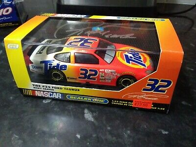 SCALEXTRIC  NASCAR Tide Ford Taurus (32) driven by Ricky