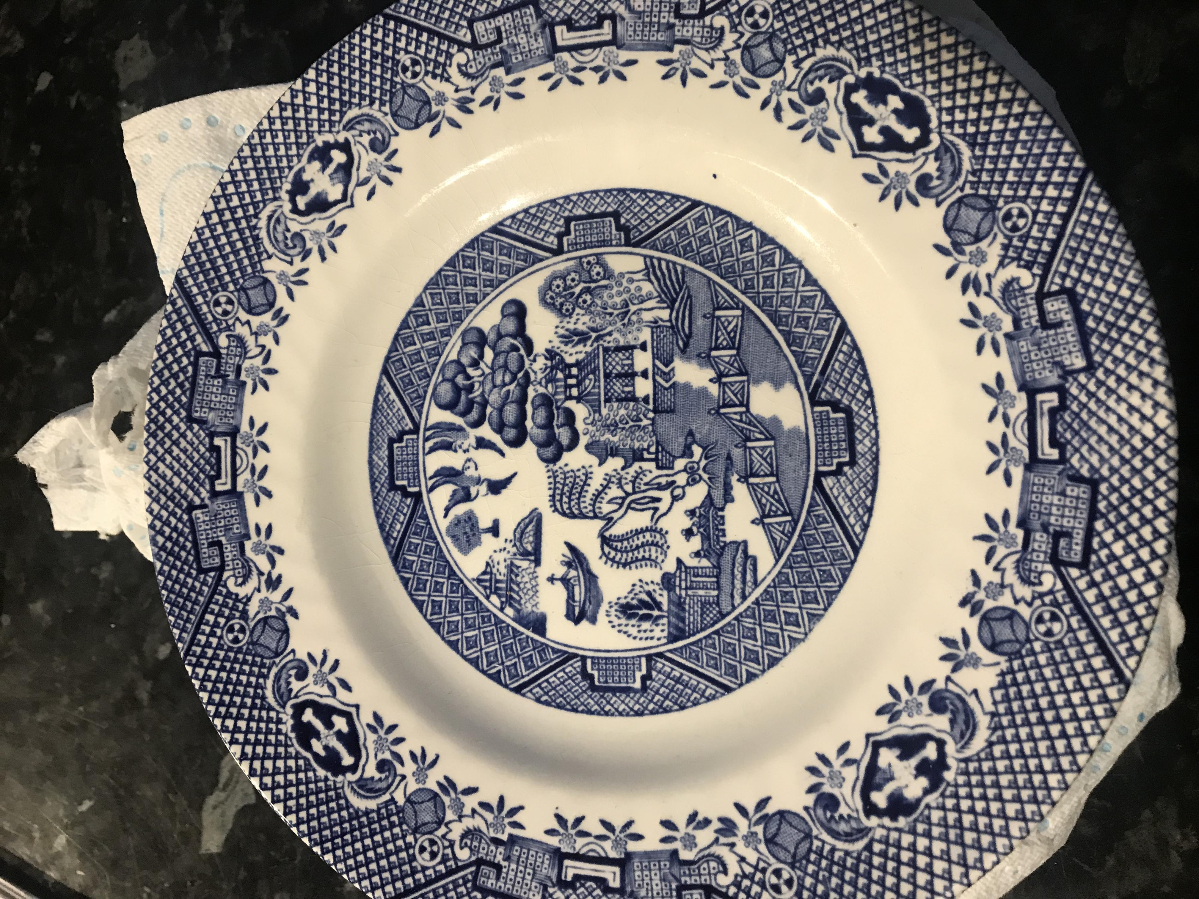 WILLOW PATTERN SIDE PLATES X6 in VGC