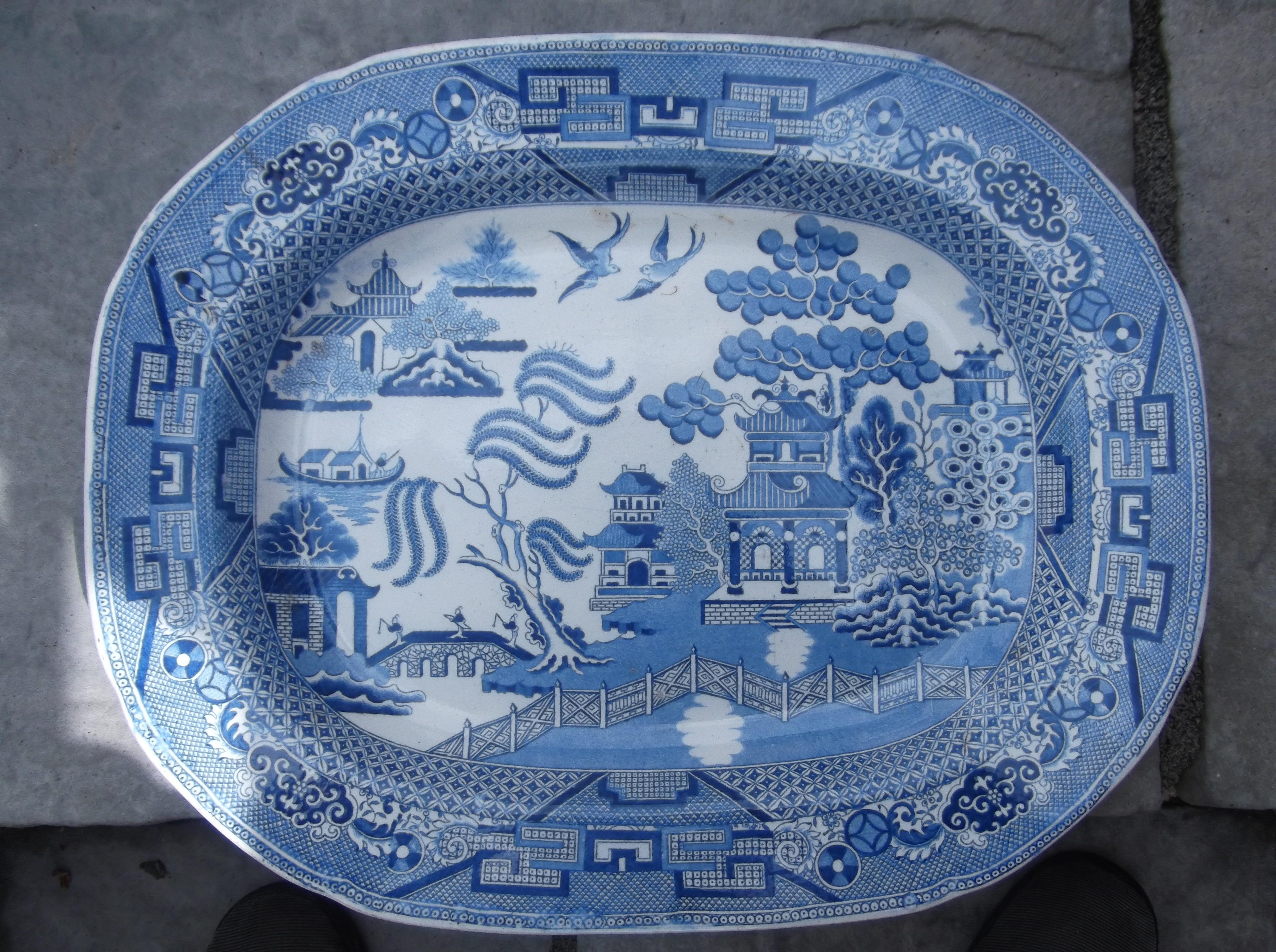 VICTORIAN STAFFORDSHIRE STONE CHINA BLUE AND WHITE 'WILLOW'
