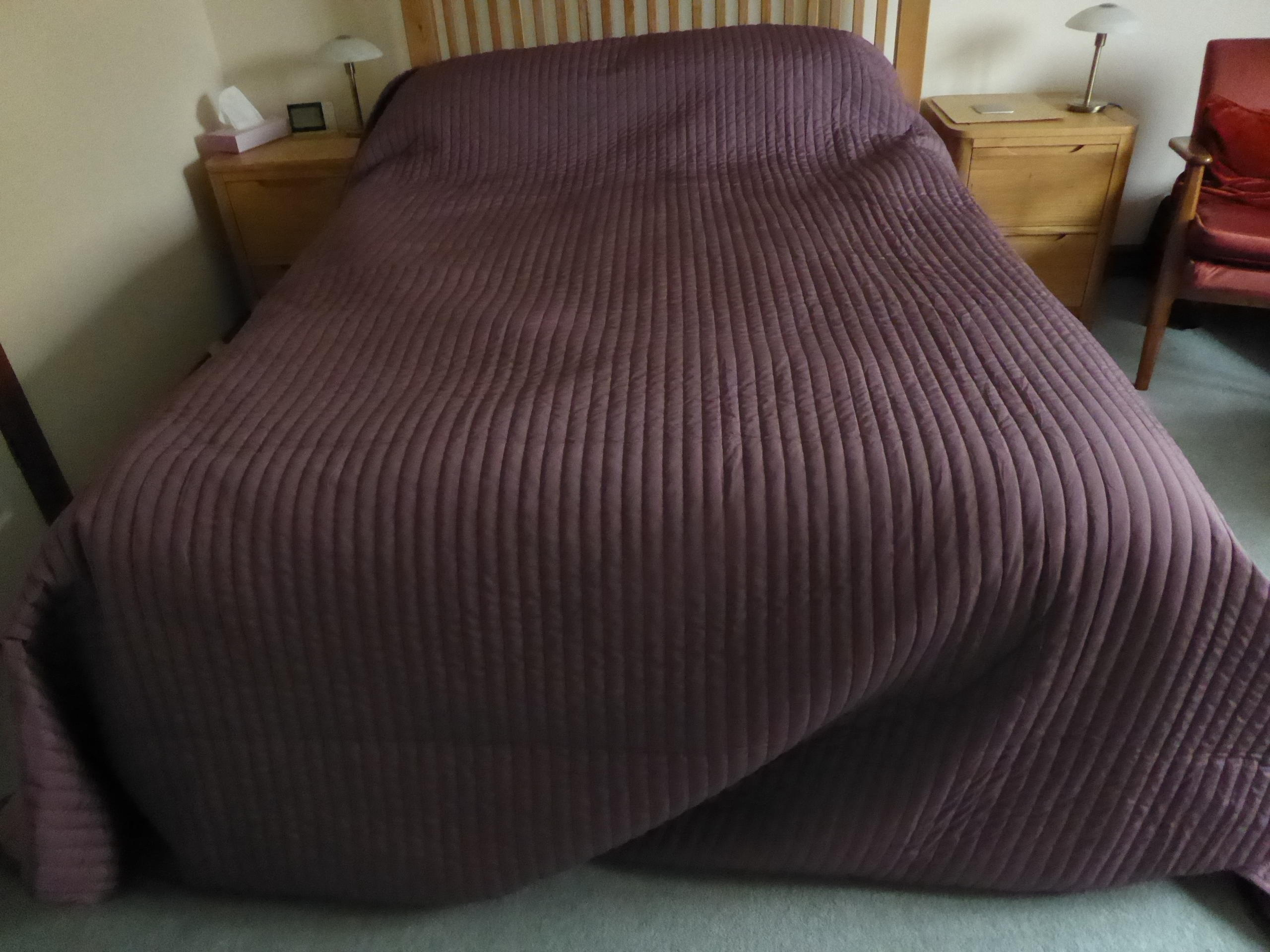 Ikea Karit double quilted bed cover with 2 pillow covers