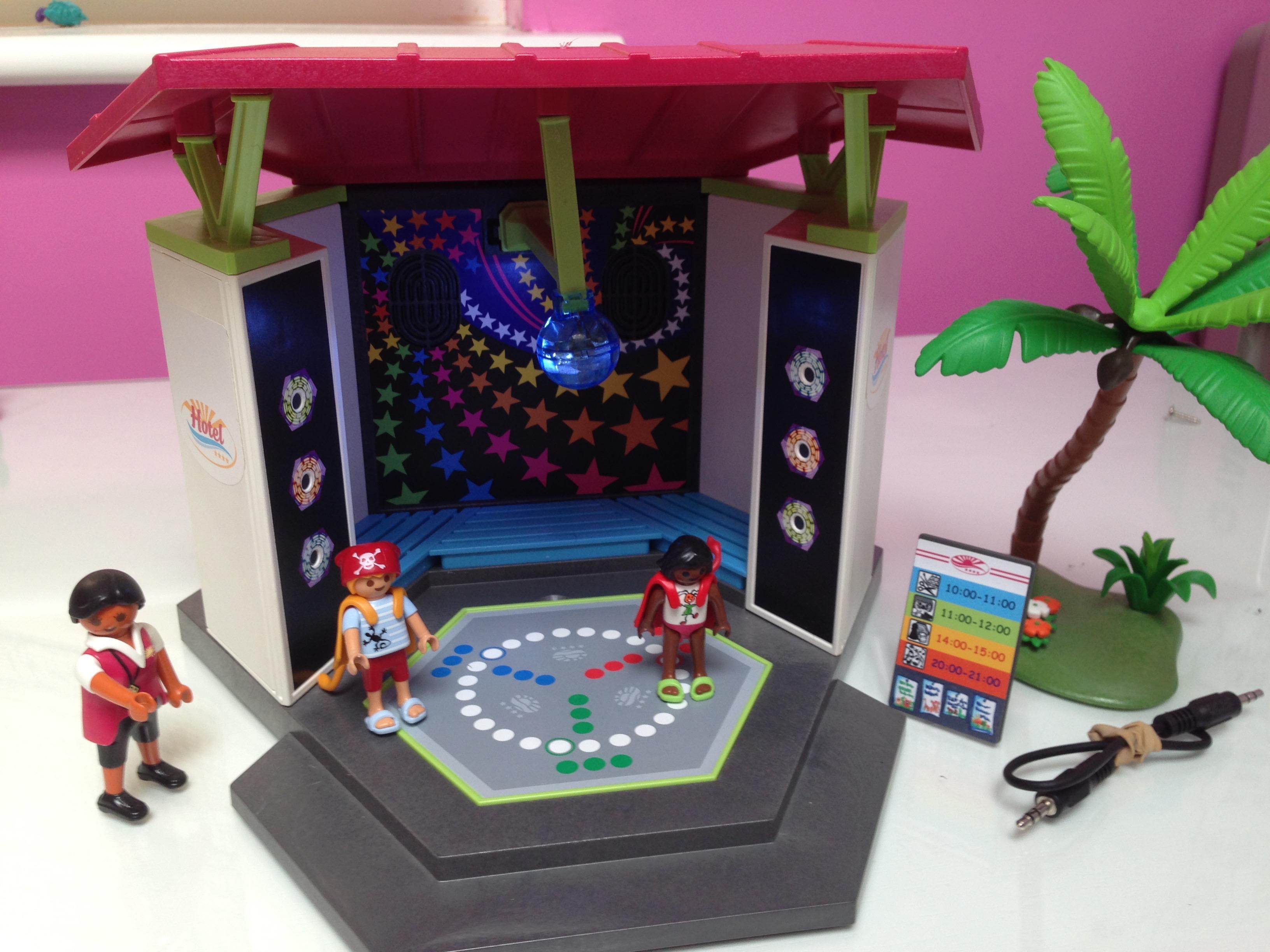 PLAYMOBIL  (CHILDREN'S CLUB WITH DISCO)