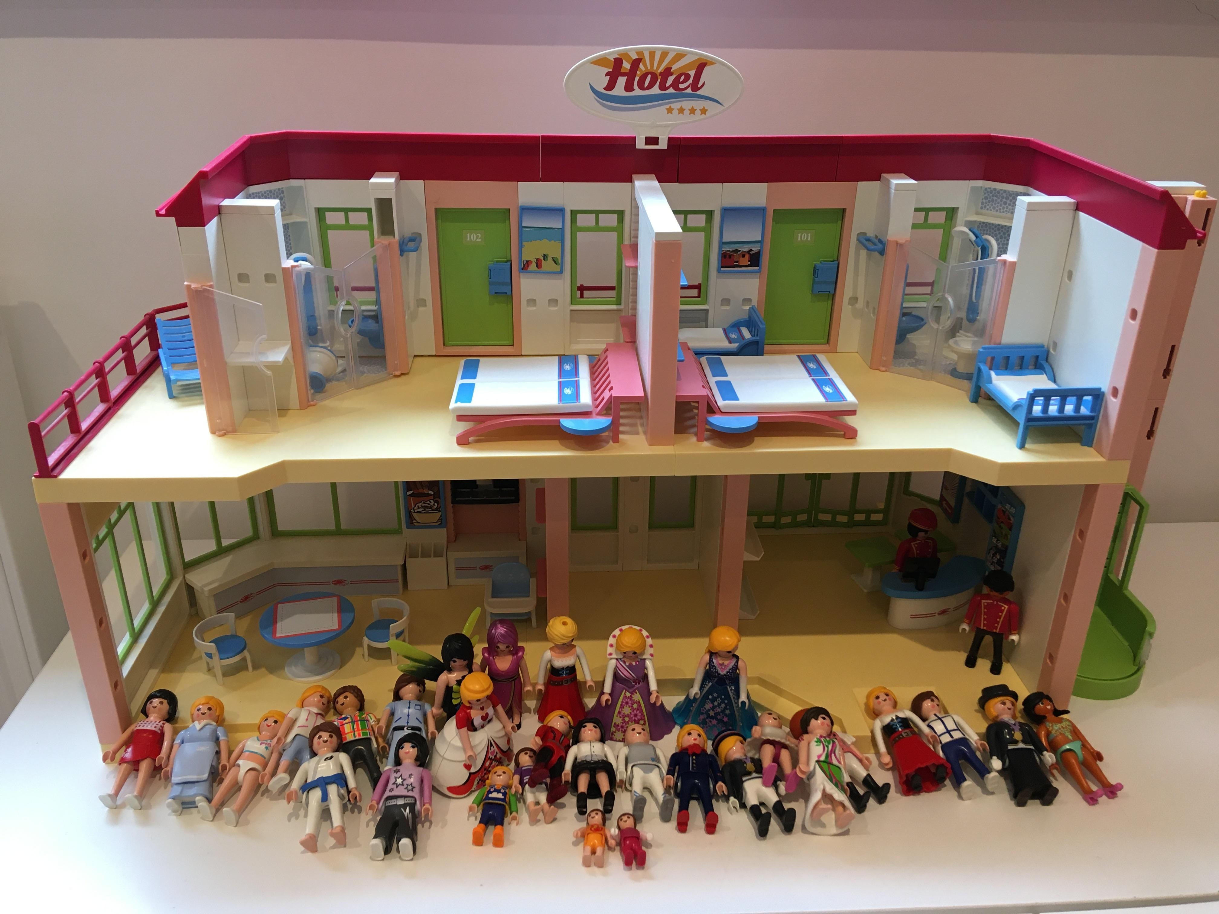 Playmobil Hotel with 32 figures and furniture
