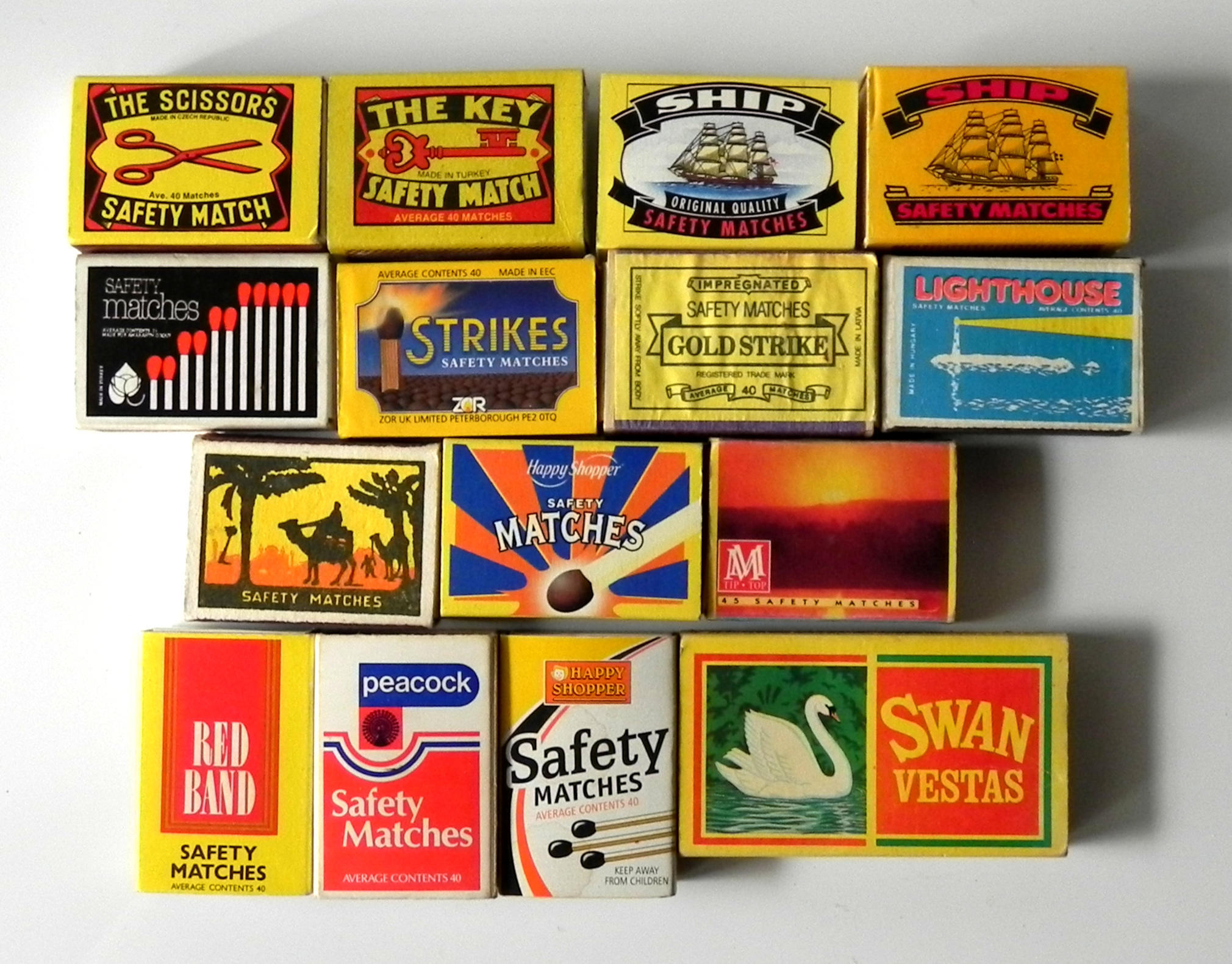 *AMAZING* Collection of 158 Matchboxes and matchbooks from