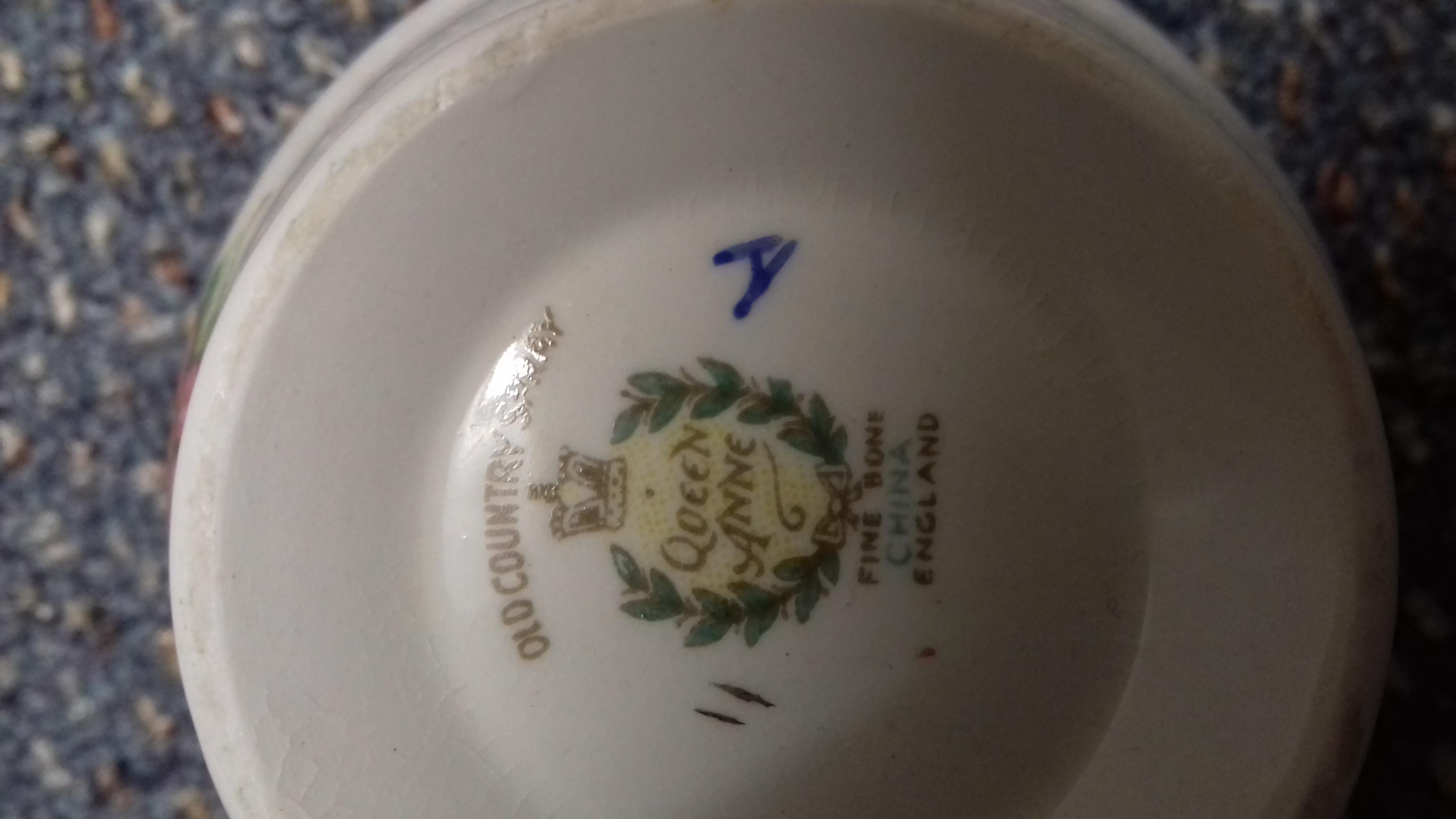 Retro Queen Anne fine bone china - Old Country Spray 16