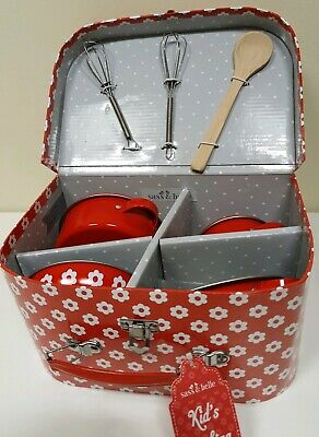 BNWT Sass & Belle Kids Red Daisies Kitchen Cooking Play Set,