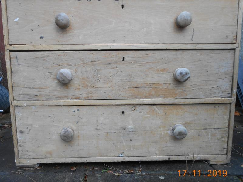 ANTIQUE ELM/PINE CHEST OF DRAWERS