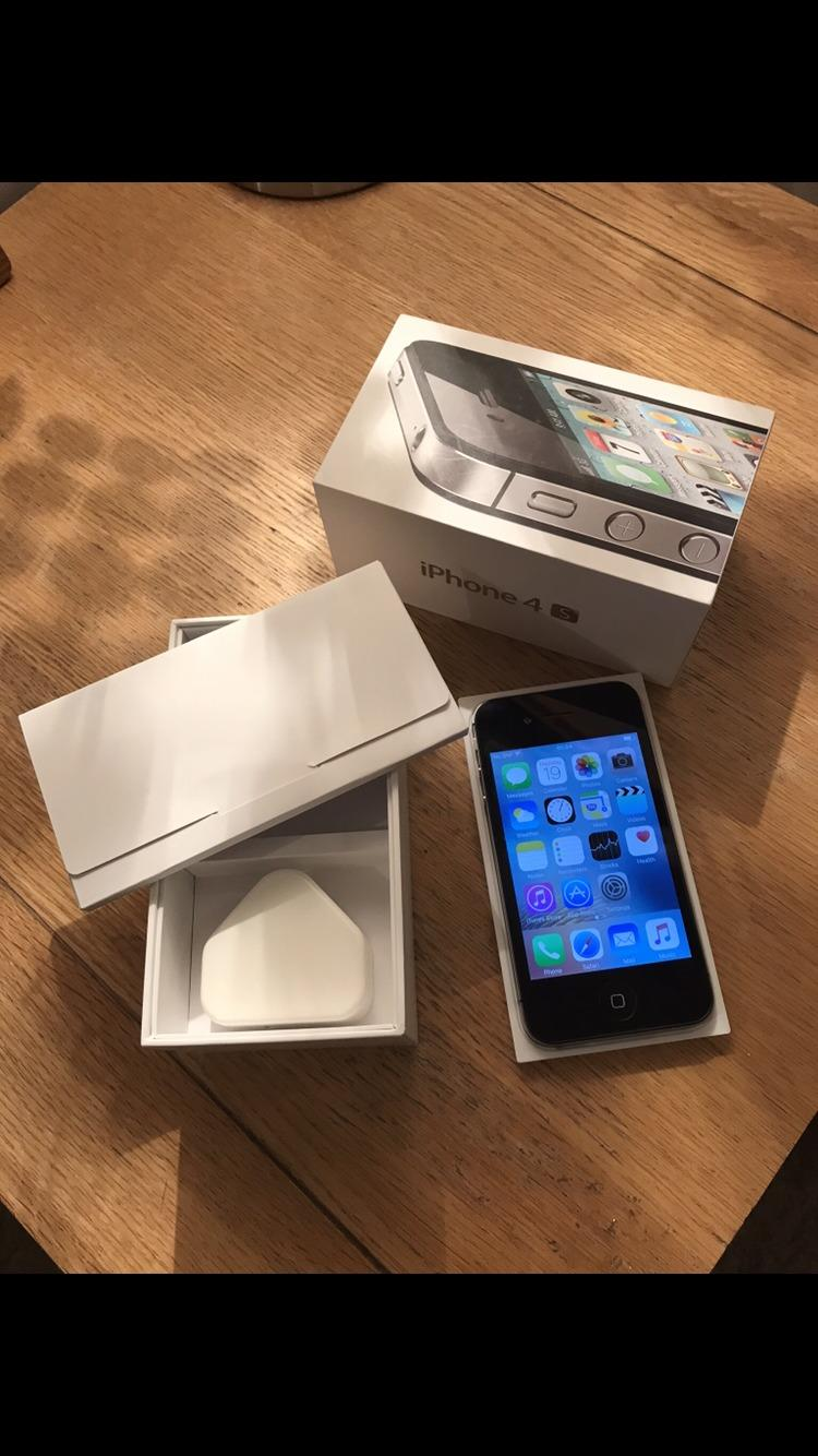 IPhone 4s with accessories in original box