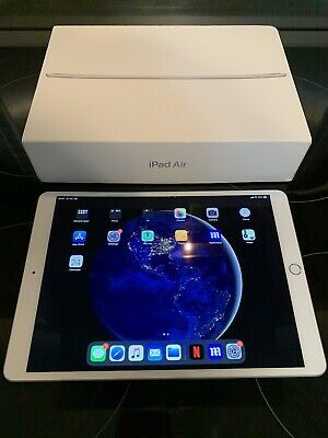 Apple iPad Air (3rd Generation) 64GB, Wi-Fi, 10.5in - Space