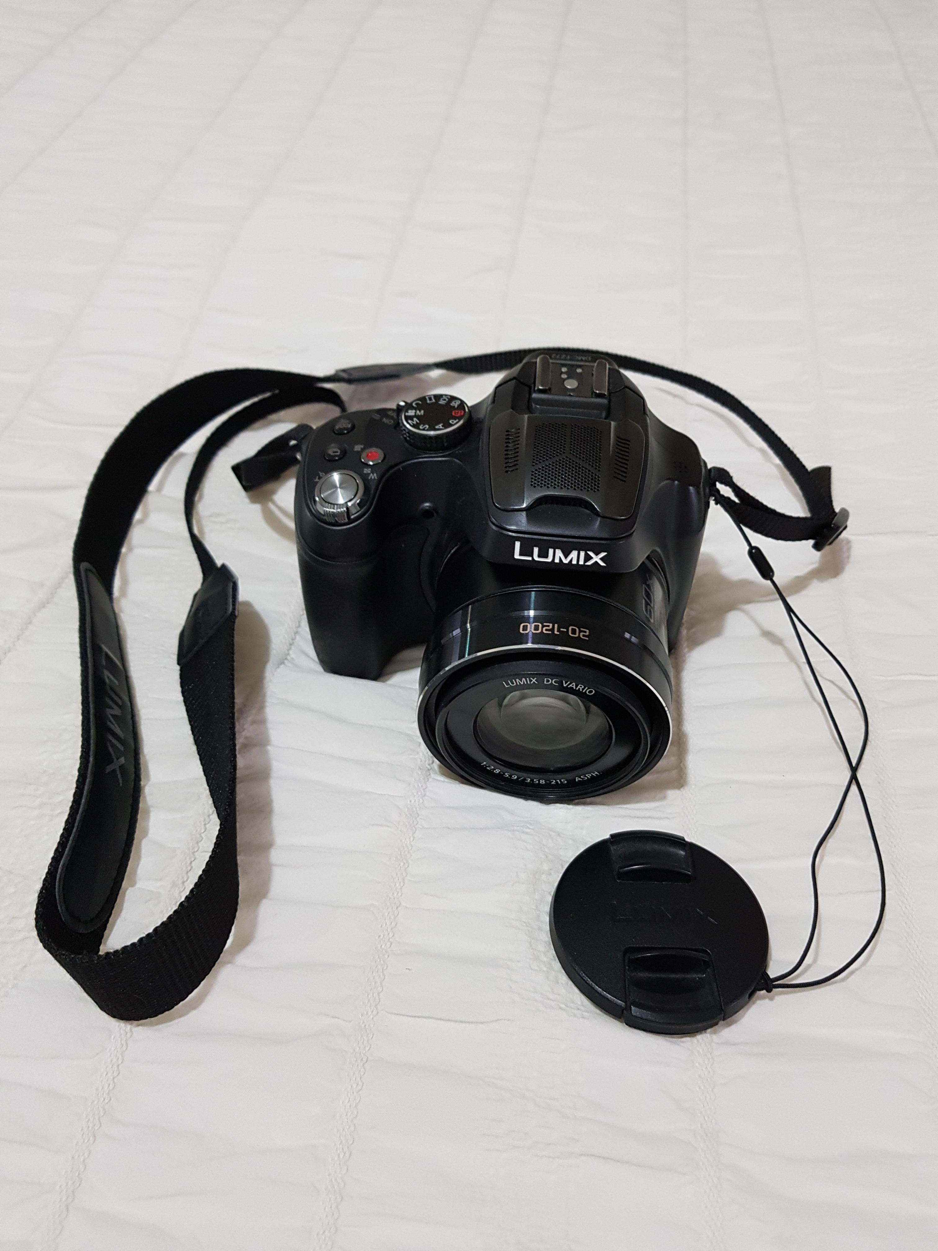 For sale, Panasonic Lumix FZ72 digital camera, boxed with