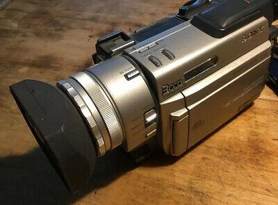 Sony DCR-TRV900 Camcorder Plus Remote Control