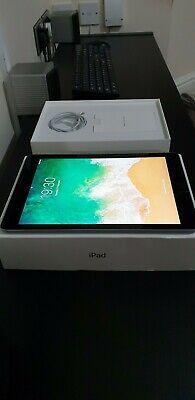 Apple iPad 6th Gen. 32GB Wi-Fi 9.7in. Space Grey