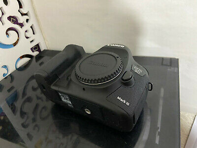 CANON EOS 5D MARK III 22MP DIGITAL SLR CAMERA & GRIP - V Low