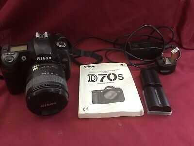 Nikon D D70s 6.1MP Digital SLR Camera - Black (Kit w/