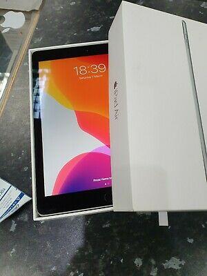 Apple iPad Air 2 64GB, Wi-Fi, 9.7in - Space Grey great