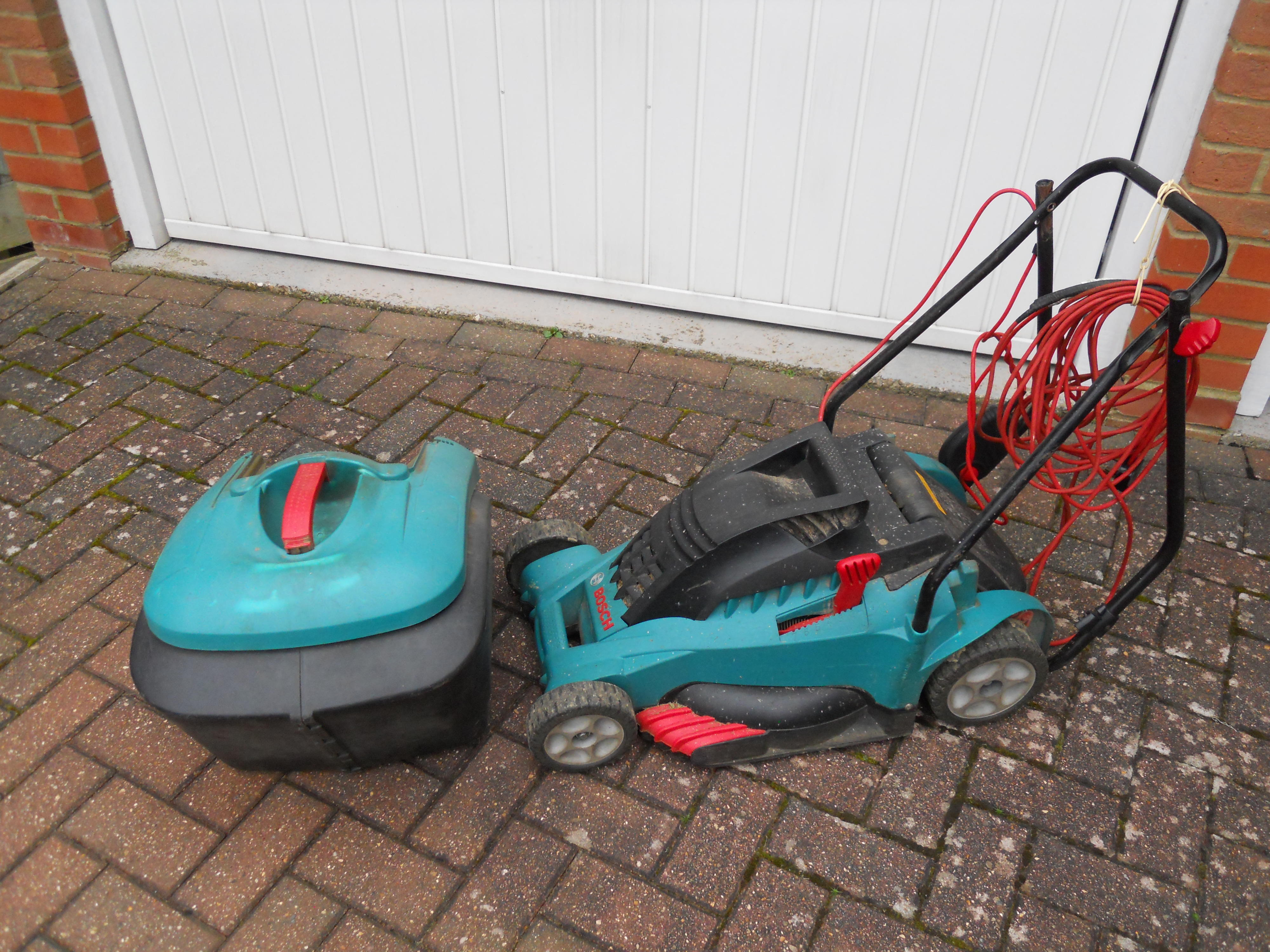 BOSCH ROTAK 40 FOR PARTS FREE TO COLLECTOR