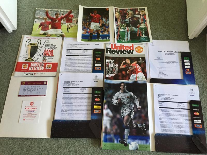 Rare/vintage selection of Man Utd football memorabillia