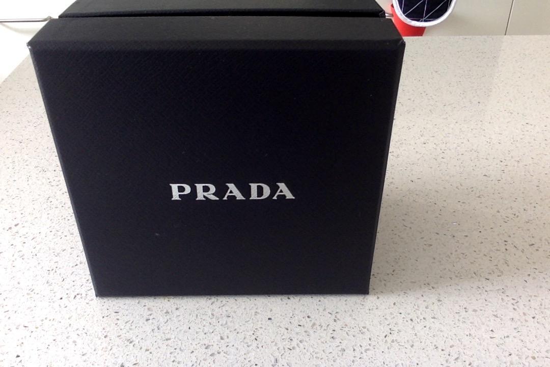 LG PRADA KE850 mobile phone