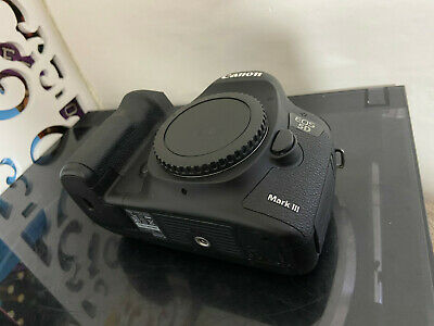 CANON EOS 5D MARK III 22MP DIGITAL SLR CAMERA - Low Usage -