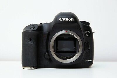 Canon EOS 5D Mark III 22.3MP. DSLR Camera Body Only.