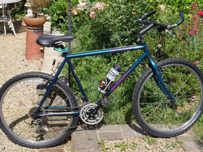 Specialised Rockhopper Comp. Vintage Mountain Bike,