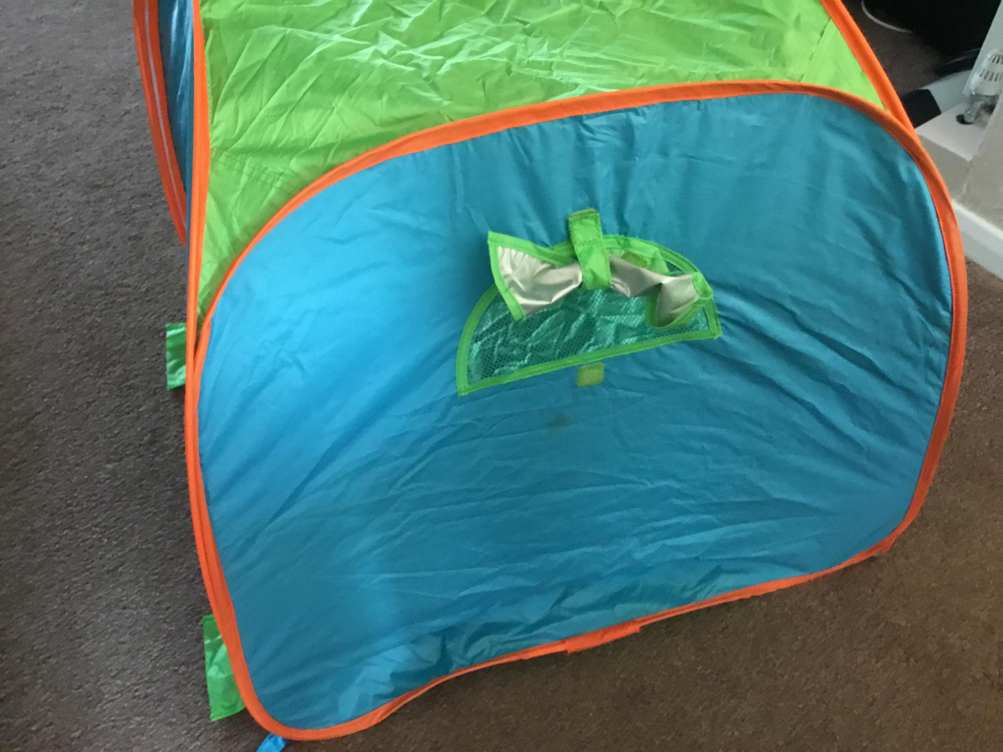 Early learning pop up tent