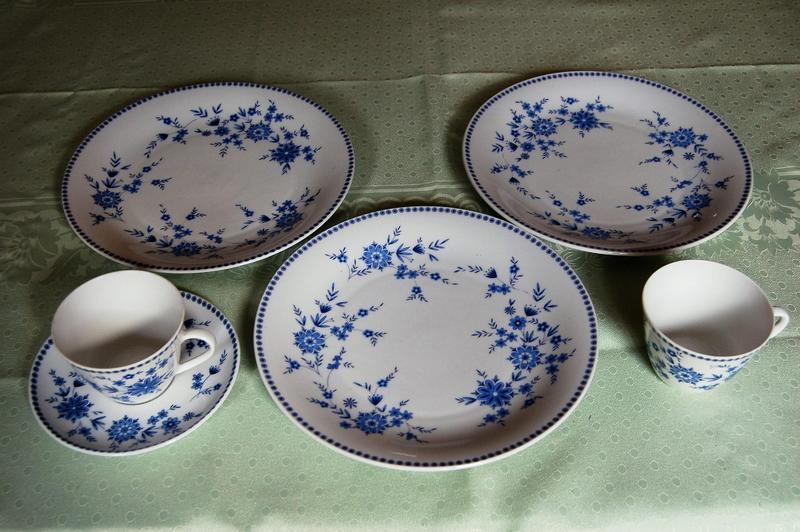 Seltmann (Bavaria) Pattern no. 96 & Blue Doris Salad Plates