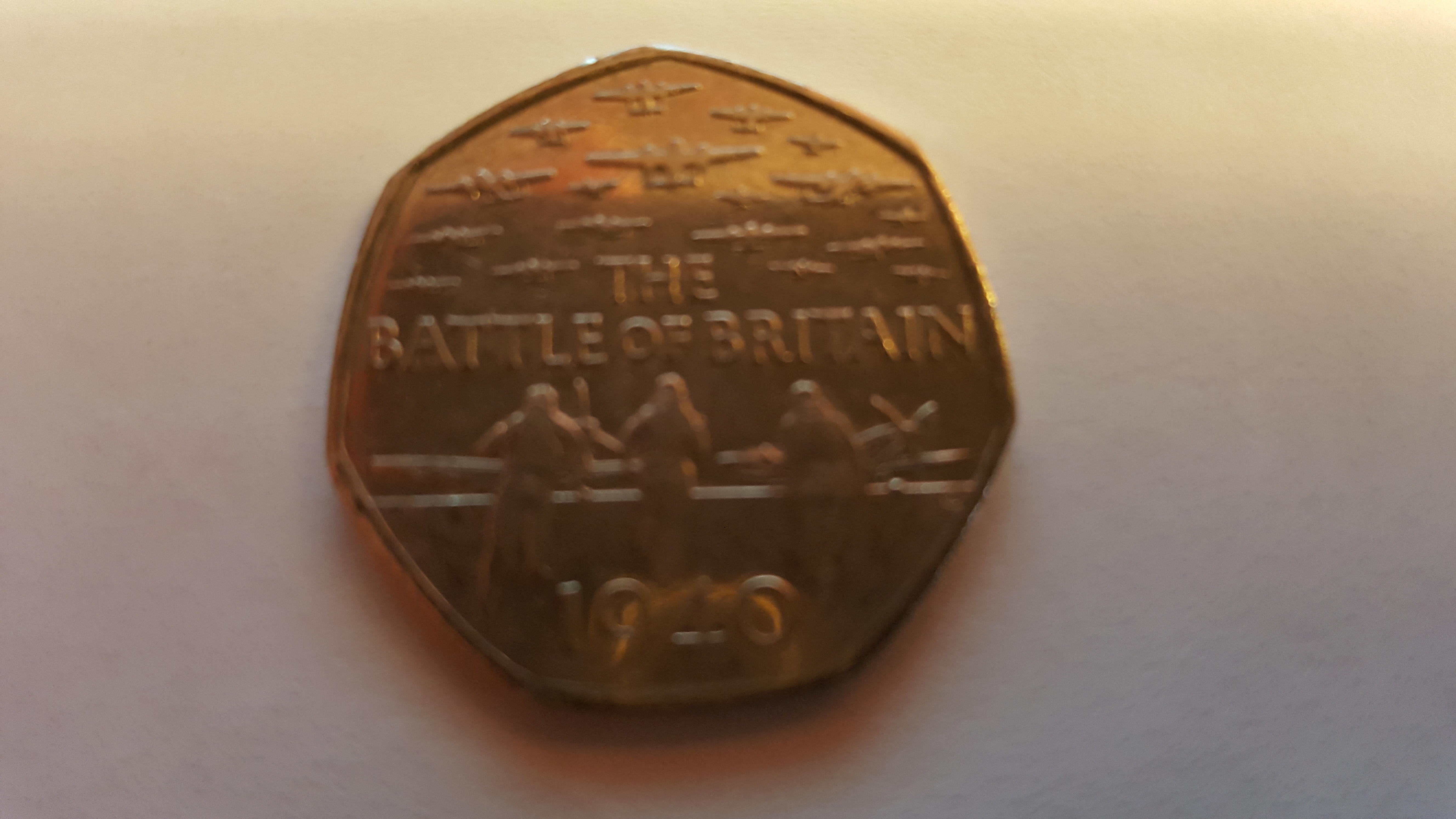 REAR AND COLLECTABLE THE BATTLE OF BRITAIN 50P COIN
