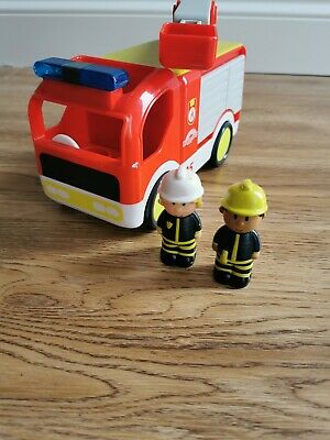 ELC HAPPYLAND FIRE ENGINE WITH LIGHTS, SOUNDS AND FIGURES