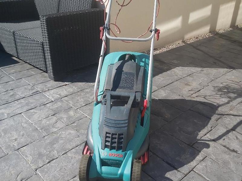 Bosch Rotak 36 Ergoflex Rotary Lawnmower