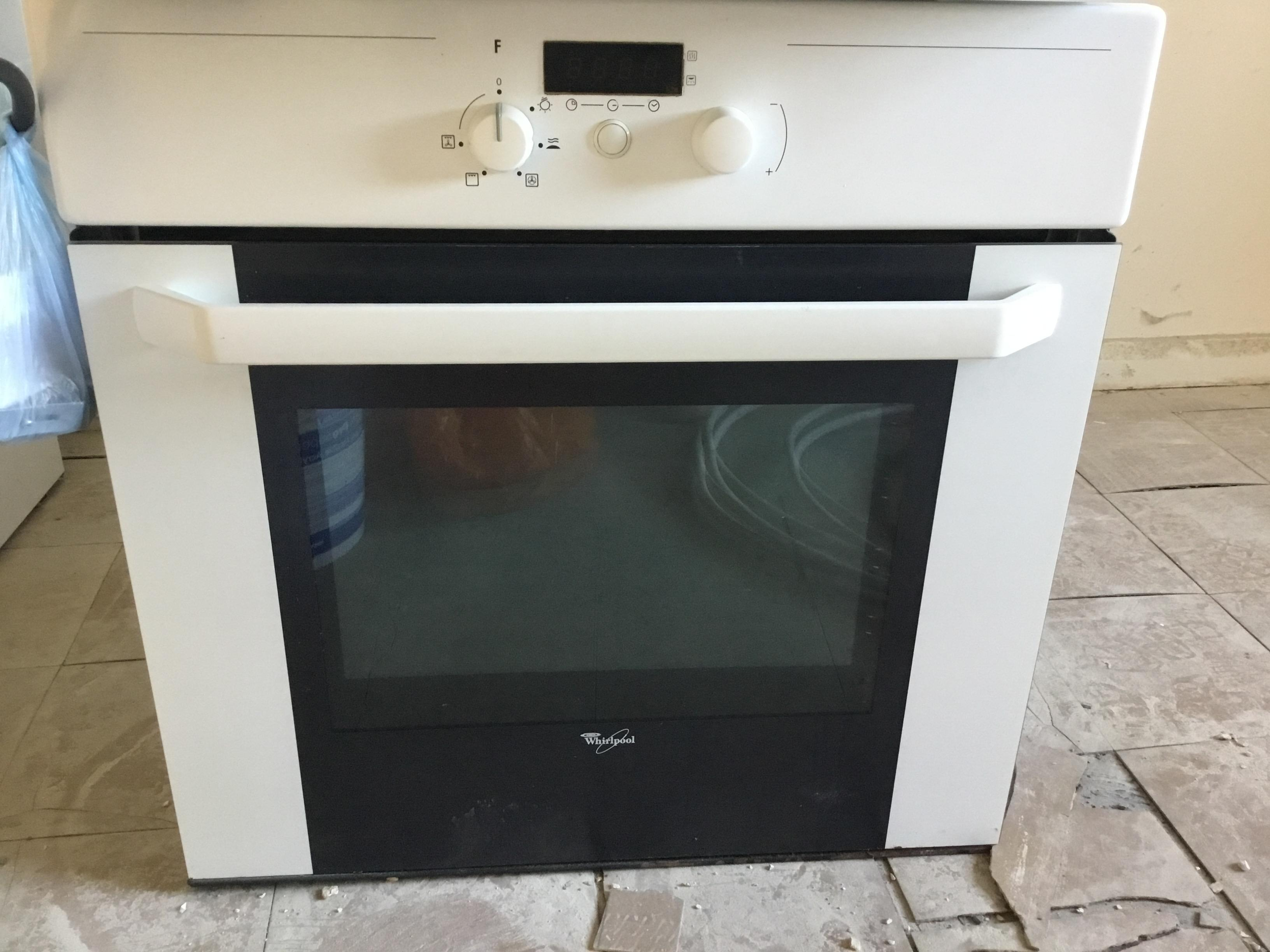 Whirlpool Single Built In Electric Oven