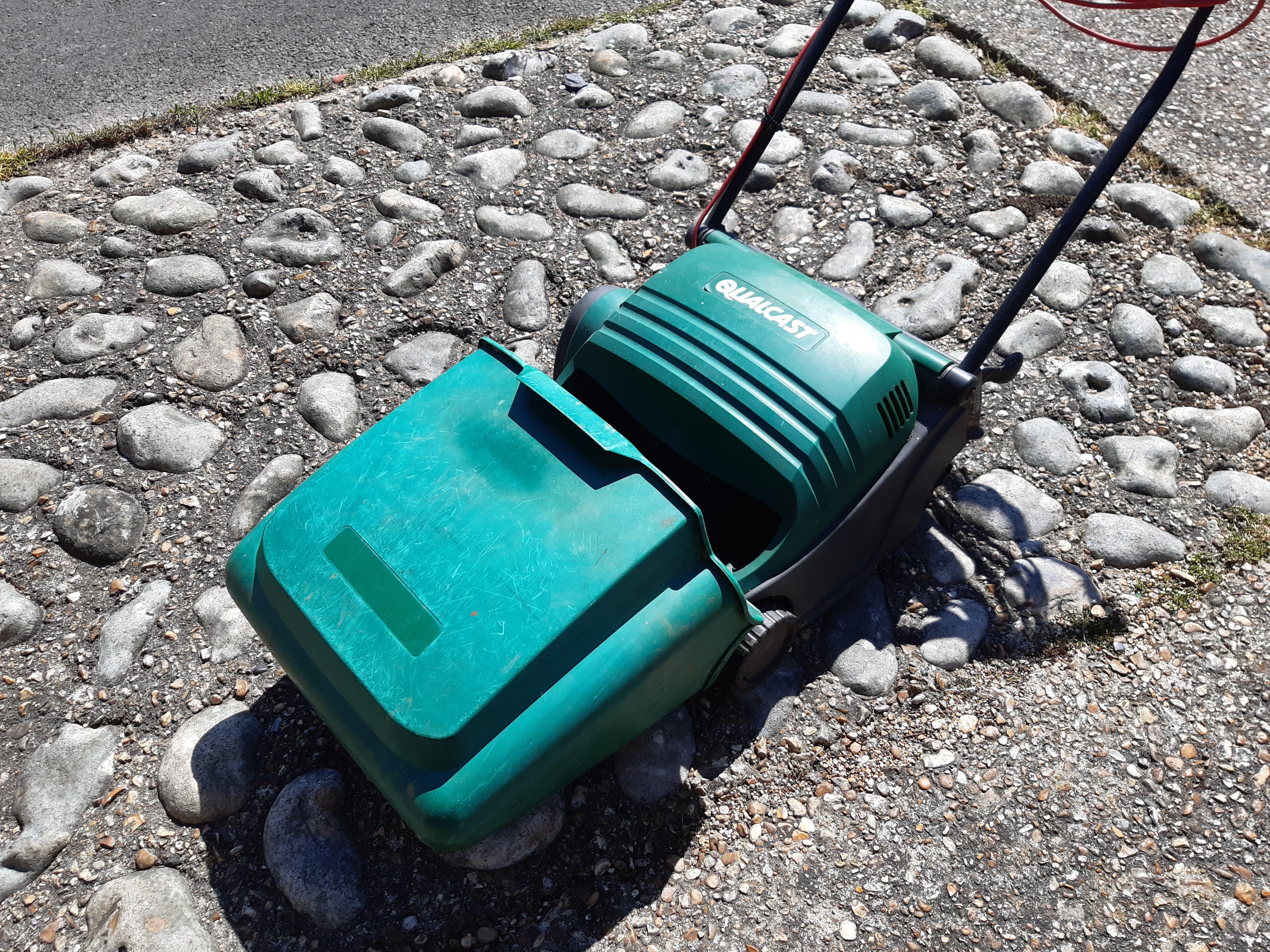 Qualcast Electric Cylinder Lawnmower