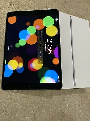 Apple iPad Air (3rd Generation) 256GB, Wi-Fi, 10.5in - Space