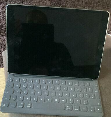 Apple iPad Pro 1st Gen. 256GB, Wi-Fi, 10.5 in - Space Grey