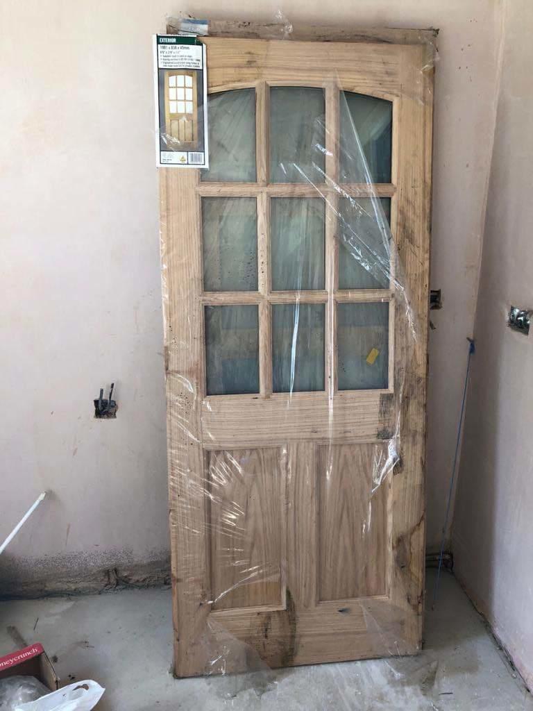 Exterior oak door glazed. x838mm x 45mm