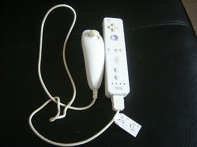 Official Nintendo Wii Remote White With Nunchuck TESTED